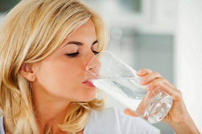 Как выгнать воду из организма для похудения